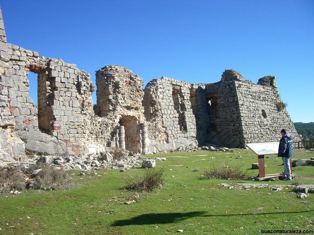 castillo san leonardo de yague