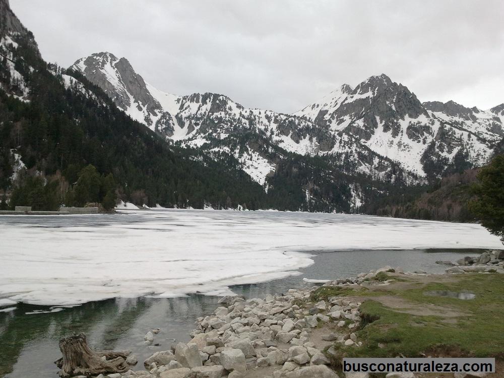 Lago san mauricio congelado